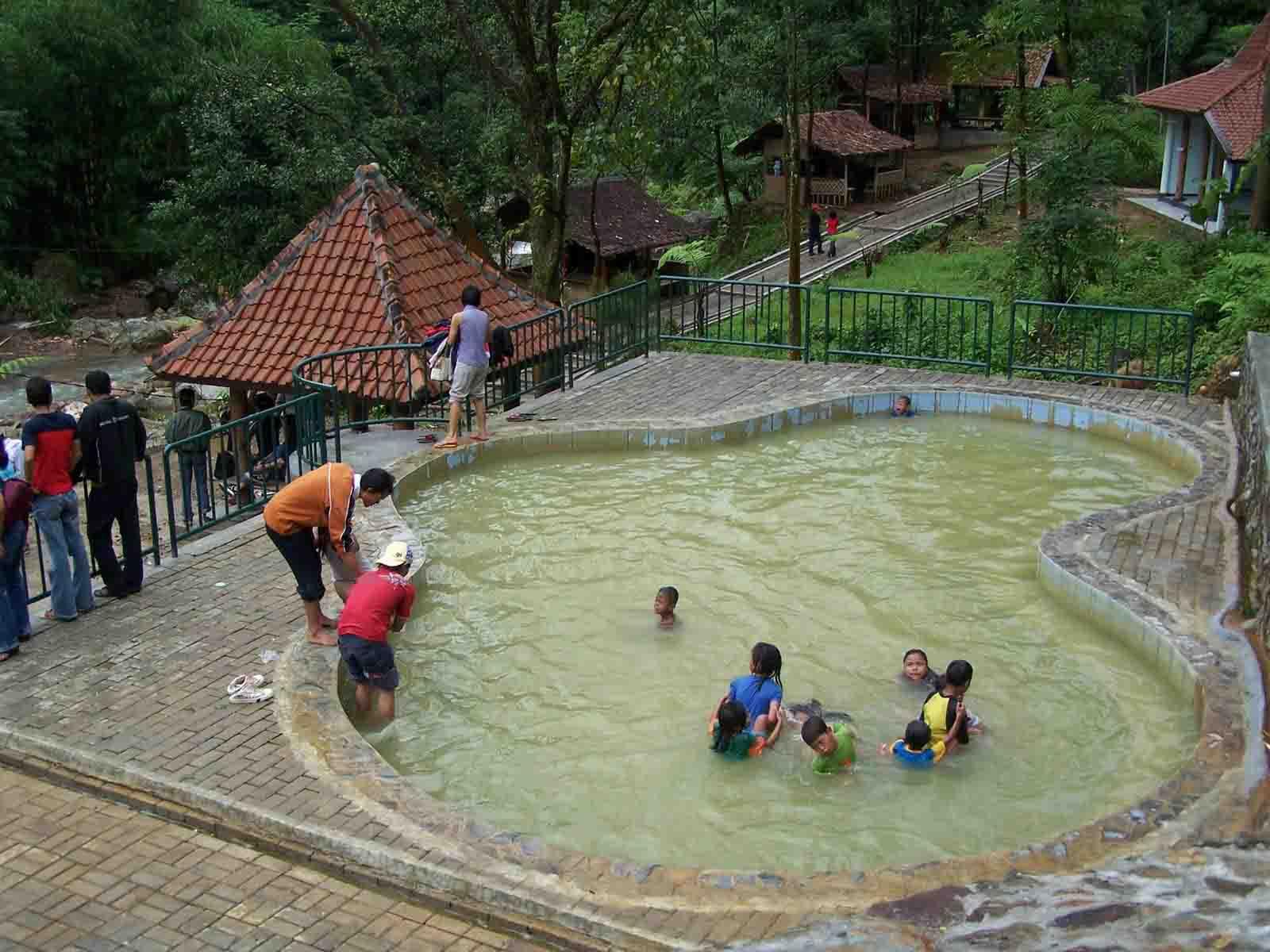 4 Wisata Air Panas Bogor Tempat Gunung Pancar Kab