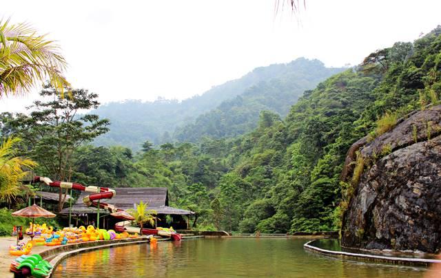 Pemandangan Indah Gunung Pancar Dilihat Curug Bidadari Air Terjun Bojongkoneng