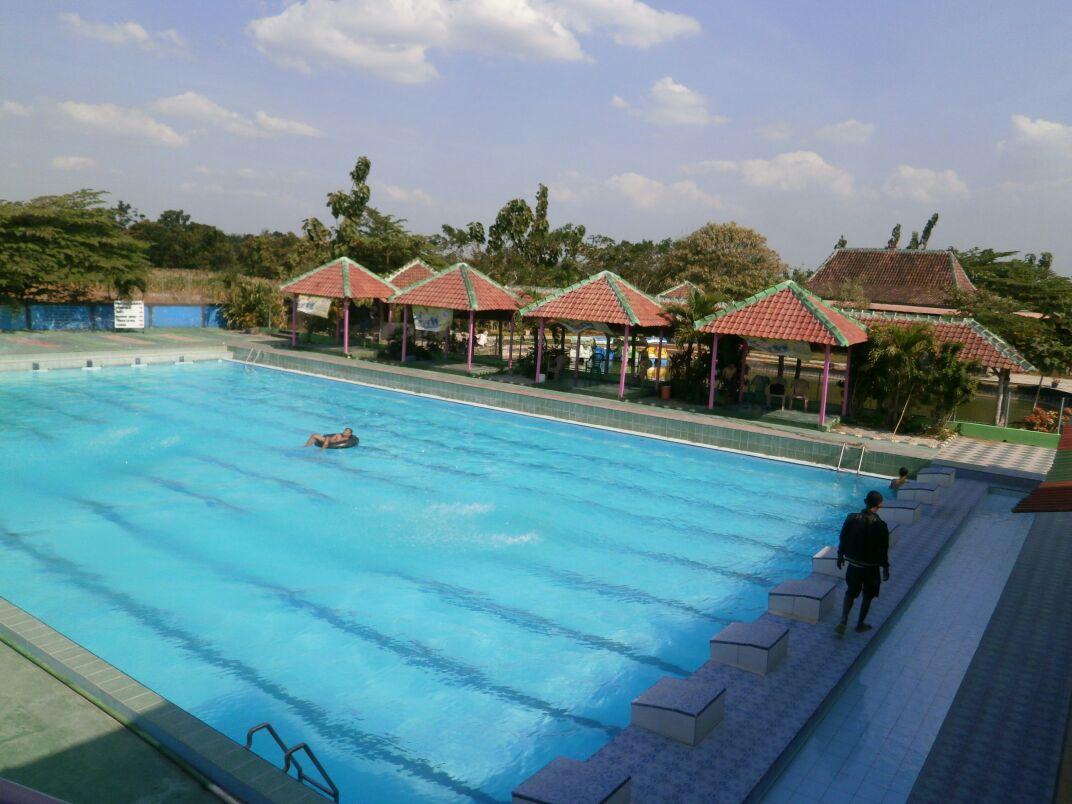 Bojonegoro Wisata Taman Sariyo Waterboom Jonegoro Kolam Renang Komple Hiburan