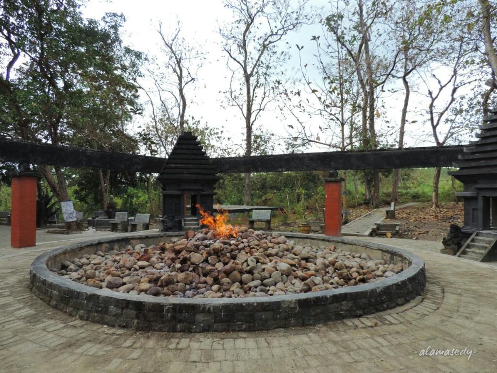 Hutan Jati Sengsara Berbuah Cinta Alamasedy Sumber Api Pon Xv