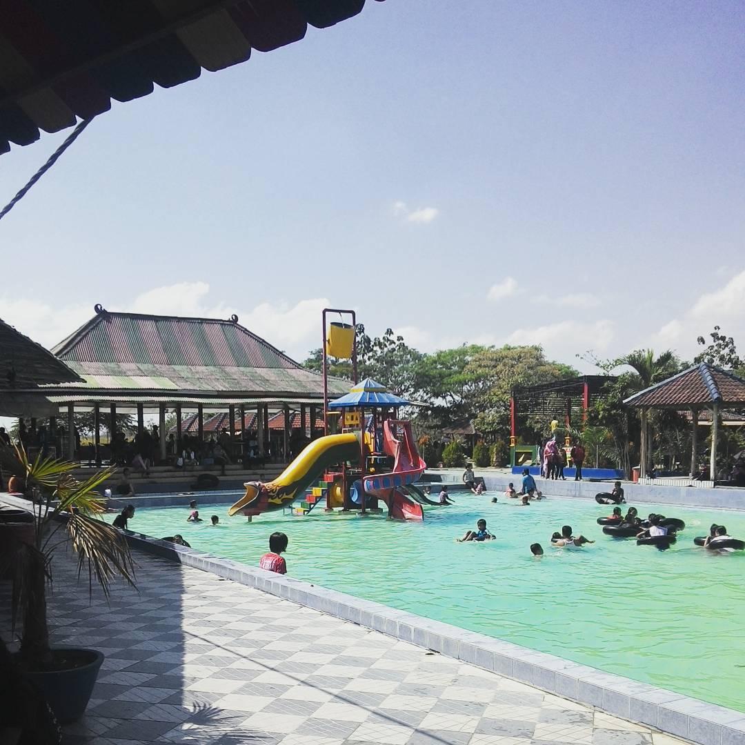 11 Tempat Wisata Bojonegoro Kunjungi Travel Tiket Masuk Taman Terbilang