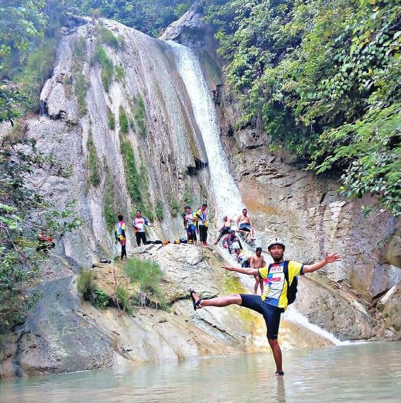 30 Tempat Wisata Bojonegoro Jawa Timur Terpopuler Air Terjun Clebung