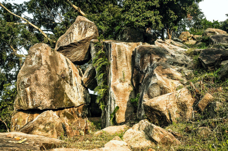 Kumpulan Tempat Wisata Bojonegoro Jawa Timur Gambar Watu Gondol Taman