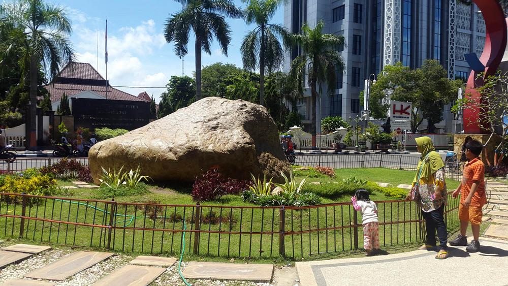 Eloknya 15 Tempat Wisata Bojonegoro Jawa Timur Trip Jalan Batu
