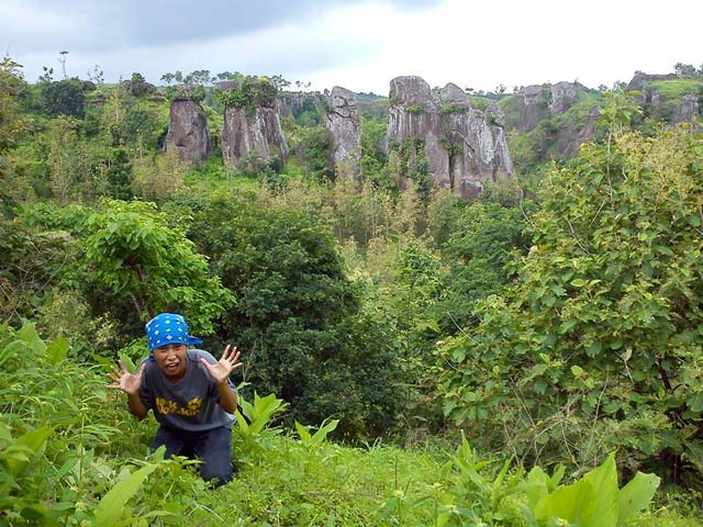 6 Situs Pra Sejarah Bondowoso Layak Dijelajahi Stonehenge Batu Jabrik