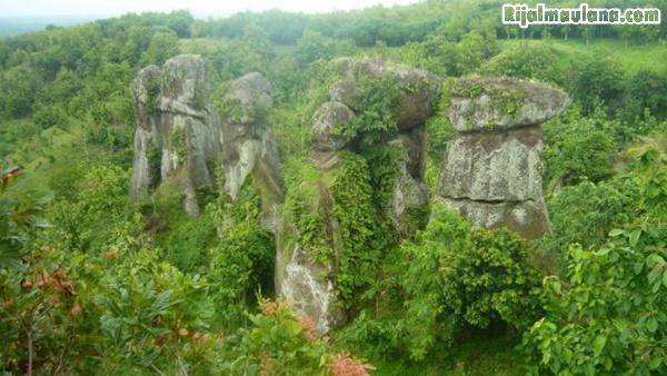 Alamat Situs Wisata Batu Solor Cermee Stonehenge Bondowoso Rijal Walaupun