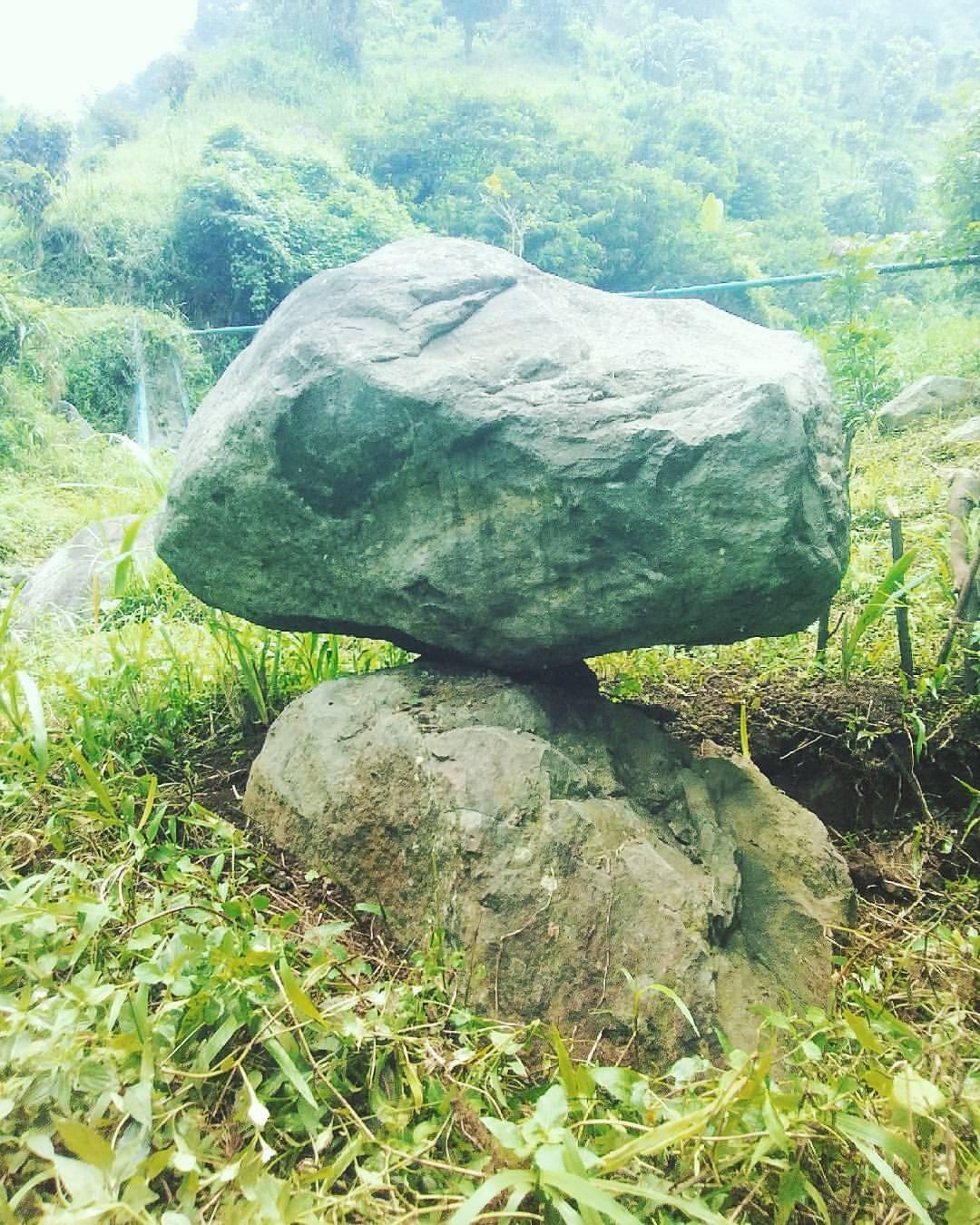 Indonesia Megalitik Megalitikum Instagram Photos Media Repost Wisataalampatiranabondowoso Amazing Stone