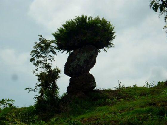 Istimewa Batu Solor Bondowoso Serupa Stonehenge Inggris Ulinulin Trinil Jejak