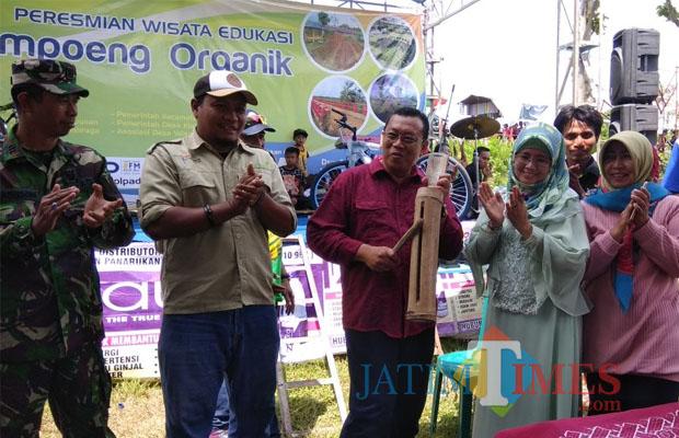 Diresmikan Bupati Situbondo Punya Kampung Wisata Organik Tabuh Kentongan Menandai