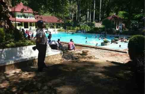 Ramai Pengunjung Polres Bondowoso Terjunkan Personel Amankan Objek Wisata Taman