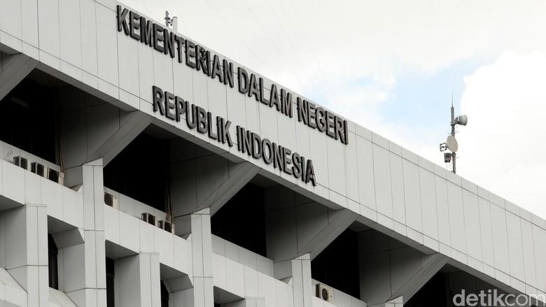 Dihapus Kalimantan Mulai Pemilihan Kepdes Hingga Tambang Perda Istana Olahraga