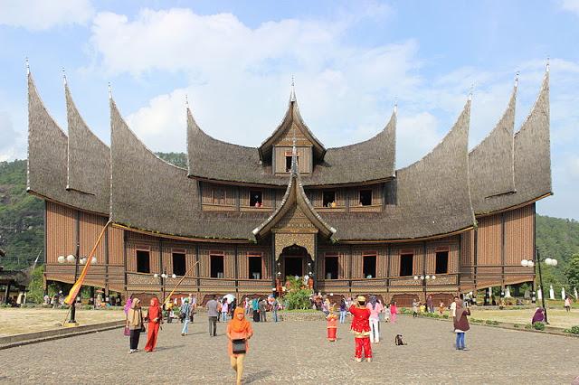 Harga Tiket Wisata Sumatera Barat Sumbar Istano Basa Asli Terletak