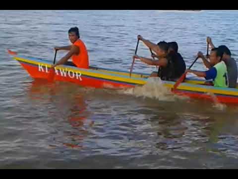 Perahu Dayung Tradisional Bulungan Kalimantan Utara Youtube Istana Olahraga Air