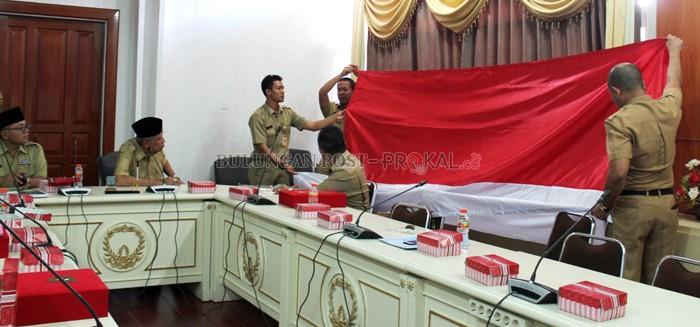 Pertama Istana Bagikan Bendera Daerah Bulungan Post Pemerintah Provinsi Kabupaten