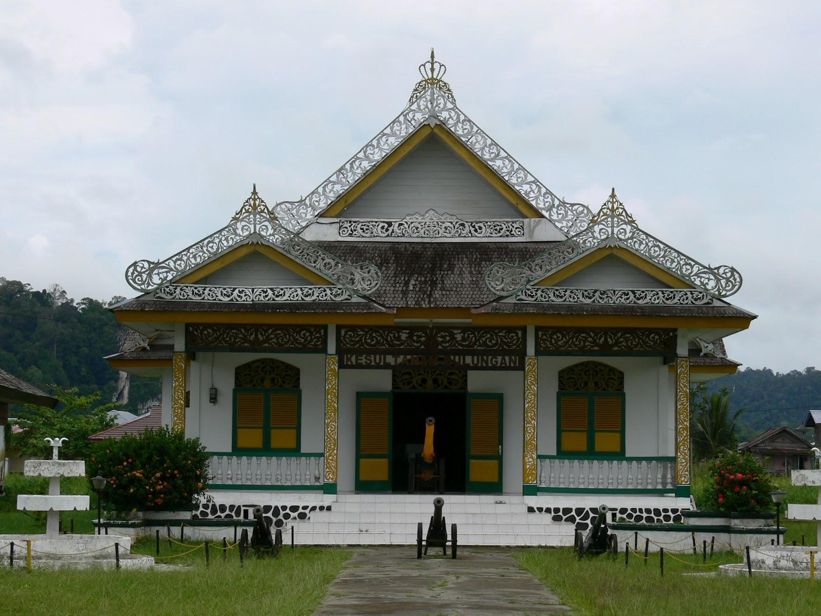 Sejarah Kesultanan Bulungan Kalimantan Utara Istana Olahraga Air Kab