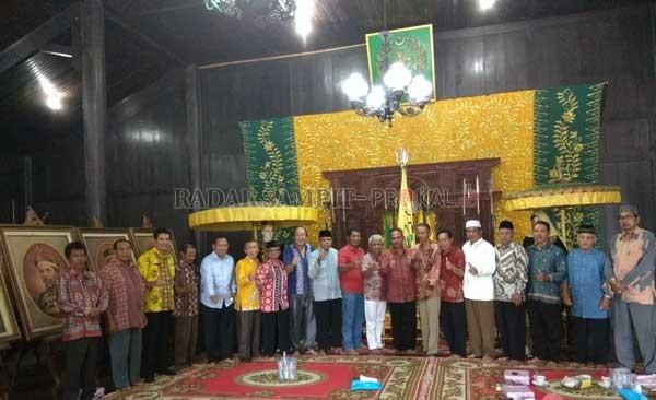 Sejumlah Tokoh Kumpul Istana Kuning Radar Sampit Kompak Agama Berbagai