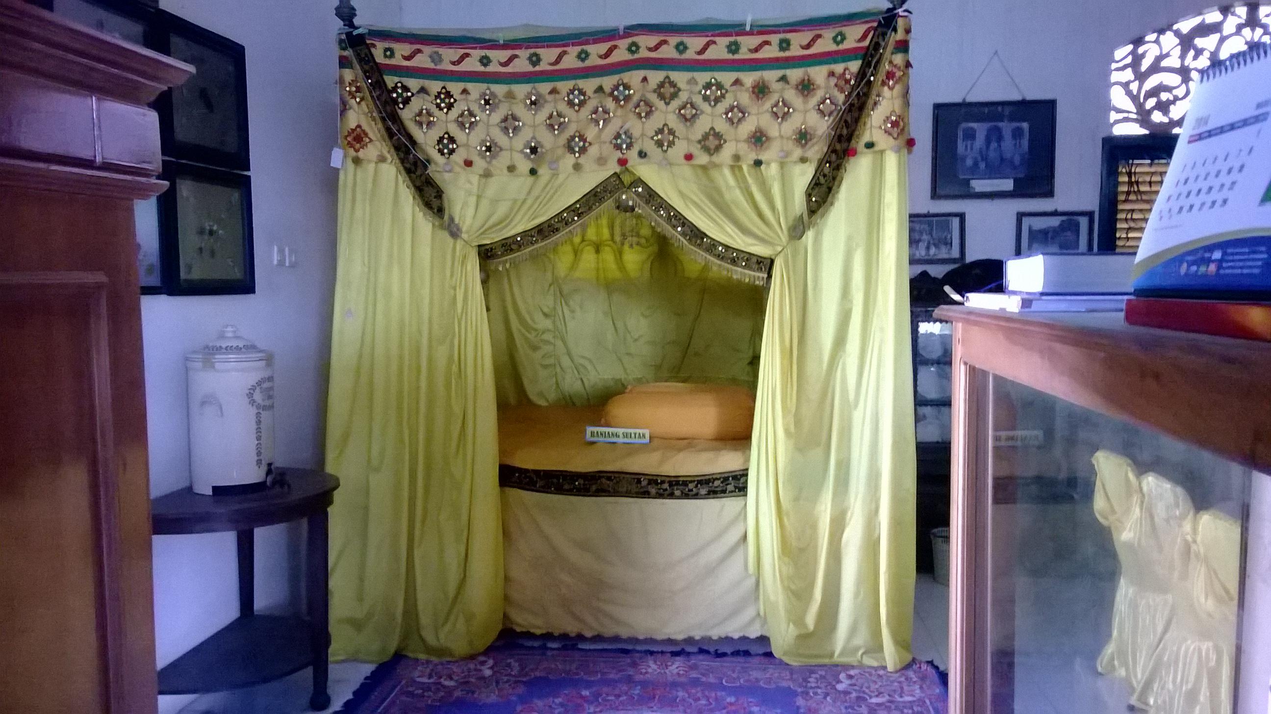 Ahmad Ihza Mahendra Wisata Museum Kesultanan Bulungan Benda Pusaka Kesultana