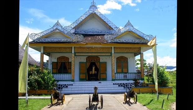 Ahmad Ihza Mahendra Wisata Museum Kesultanan Bulungan Kesultana Kab