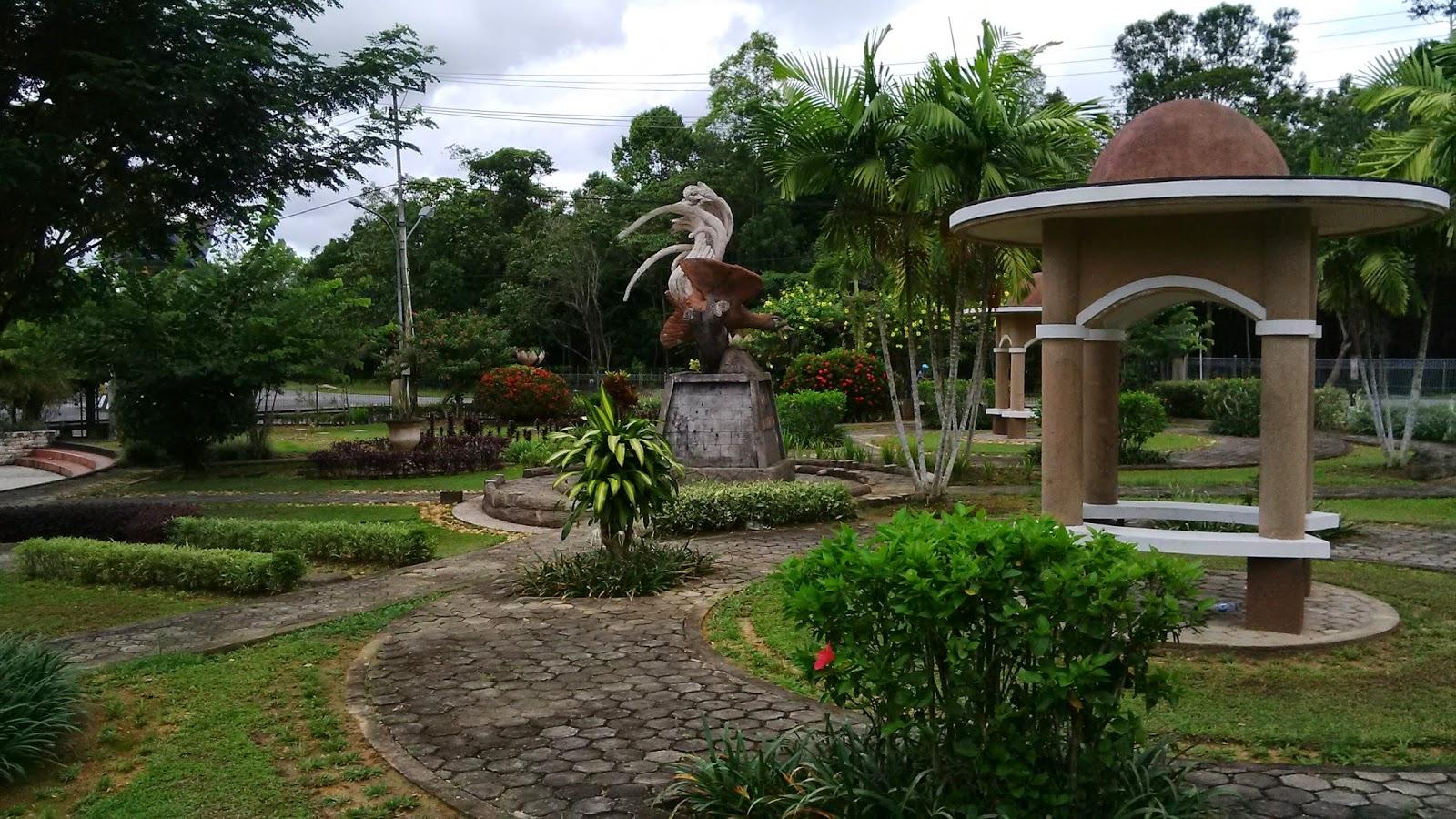 Blog Kaltara Taman Cendrawasih Tanjung Selor 2 Patung Ibu Mengasuh