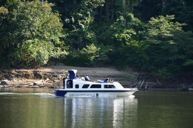 Desa Long Bang Peso Hilir Bulungan Perahu Speedboat Membawa Sumbangan