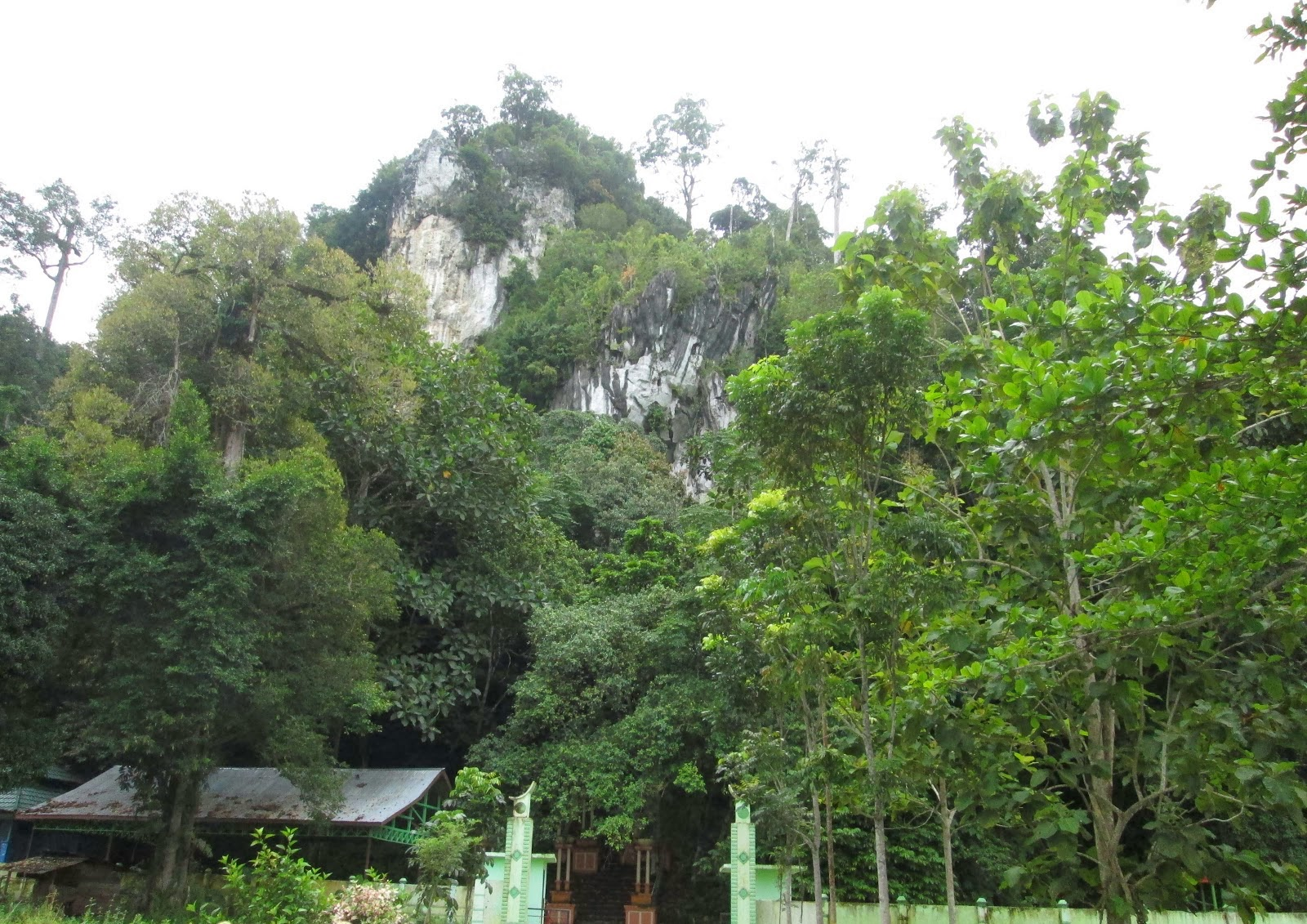 Objek Wisata Kalimantan Utara Dobol Katola Gunung Putih Kabupaten Bulungan