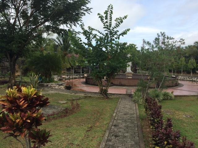 Taman Cendrawasih Tanjung Selor Majidi Zaril Bentuk Segi Empat Dikelilingi