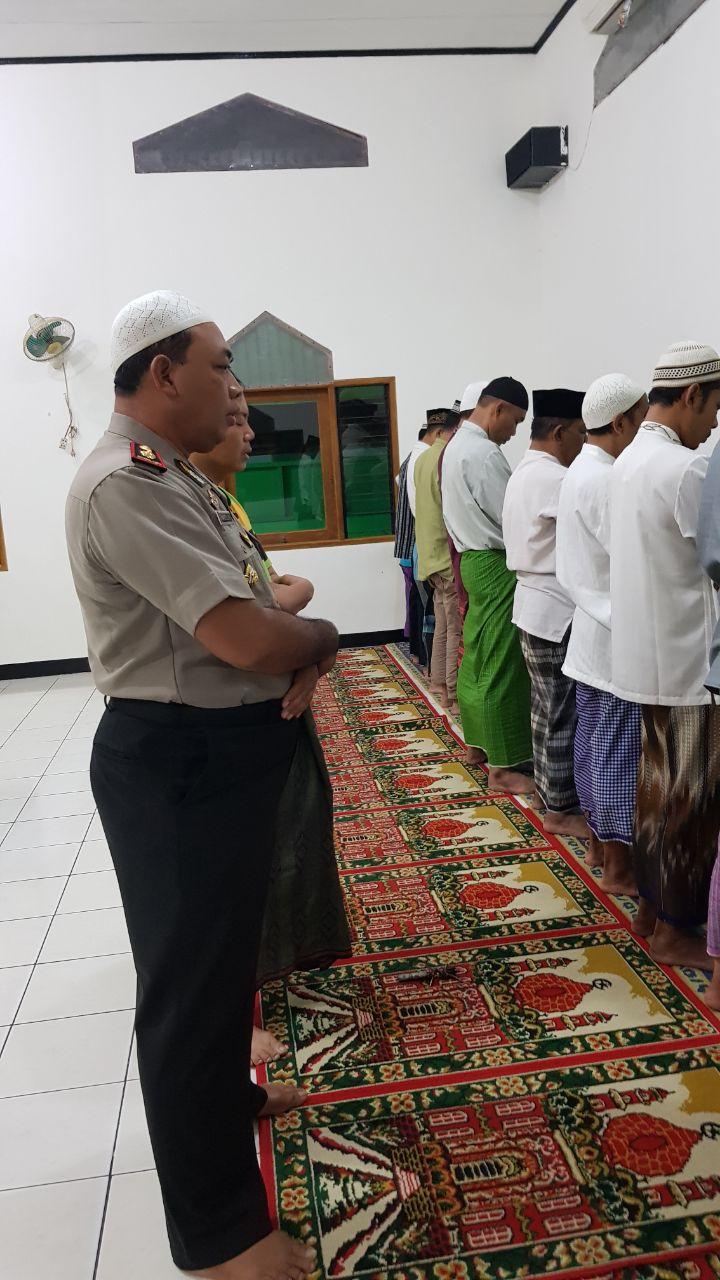 Warta Kaltara Kapolsek Benda Sholat Subuh Berjamaah Dimasjid Nurul Islam