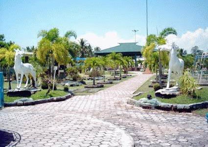 Yr Art Adventures Juli 2017 33 Taman Oval Markoni Cendrawasih