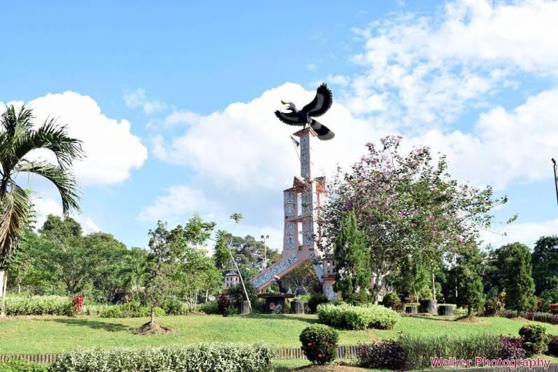 Panduan Tips Pergi Liburan Tanjung Selor Pergimulu Monumen Engang Aries