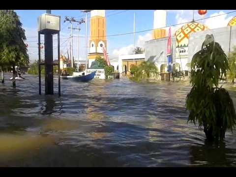 Banjir Tanjung Selor Tgl 12 2 2015 Youtube Tugu Cinta