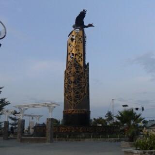 Tugu Perdamaian Tanjung Selor Malam Hari Sore Cinta Damai Kab