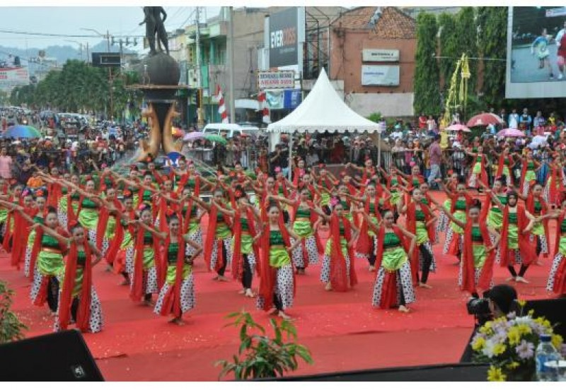 Budaya Wisata Parade Semarakkan Hut 161 Kabupaten Cilacap Alun Kab