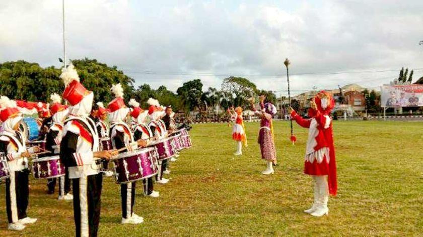 Iringi Upacara Penurunan Bendera Alun Cilacap Drumband Smp Muhammadiyah 2