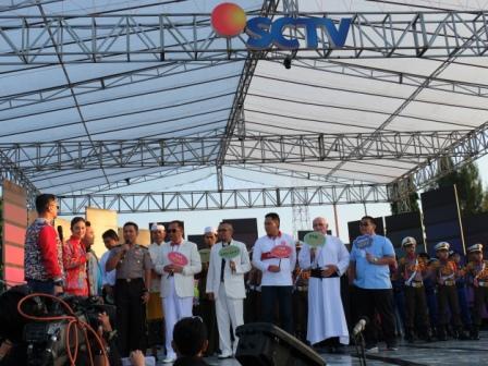 Karnaval Inbox Sctv Kapolres Forkopimda Cilacap Deklarasikan Tribratanewscilacap Kegiatan Panggung