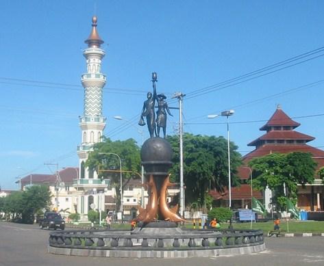 Pesona Keindahan Wisata Alun Kota Sidanegara Cilacap Jawa Tengah Kab