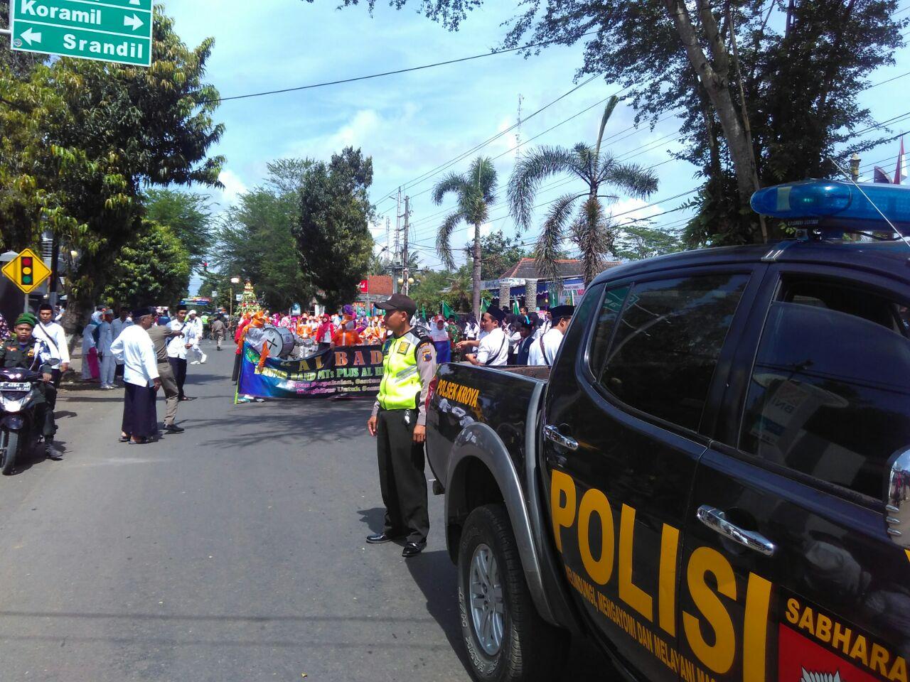 Anggota Polsek Kroya Cilacap Lakukan Pengamanan Pengawalan Upacara Hari Santri
