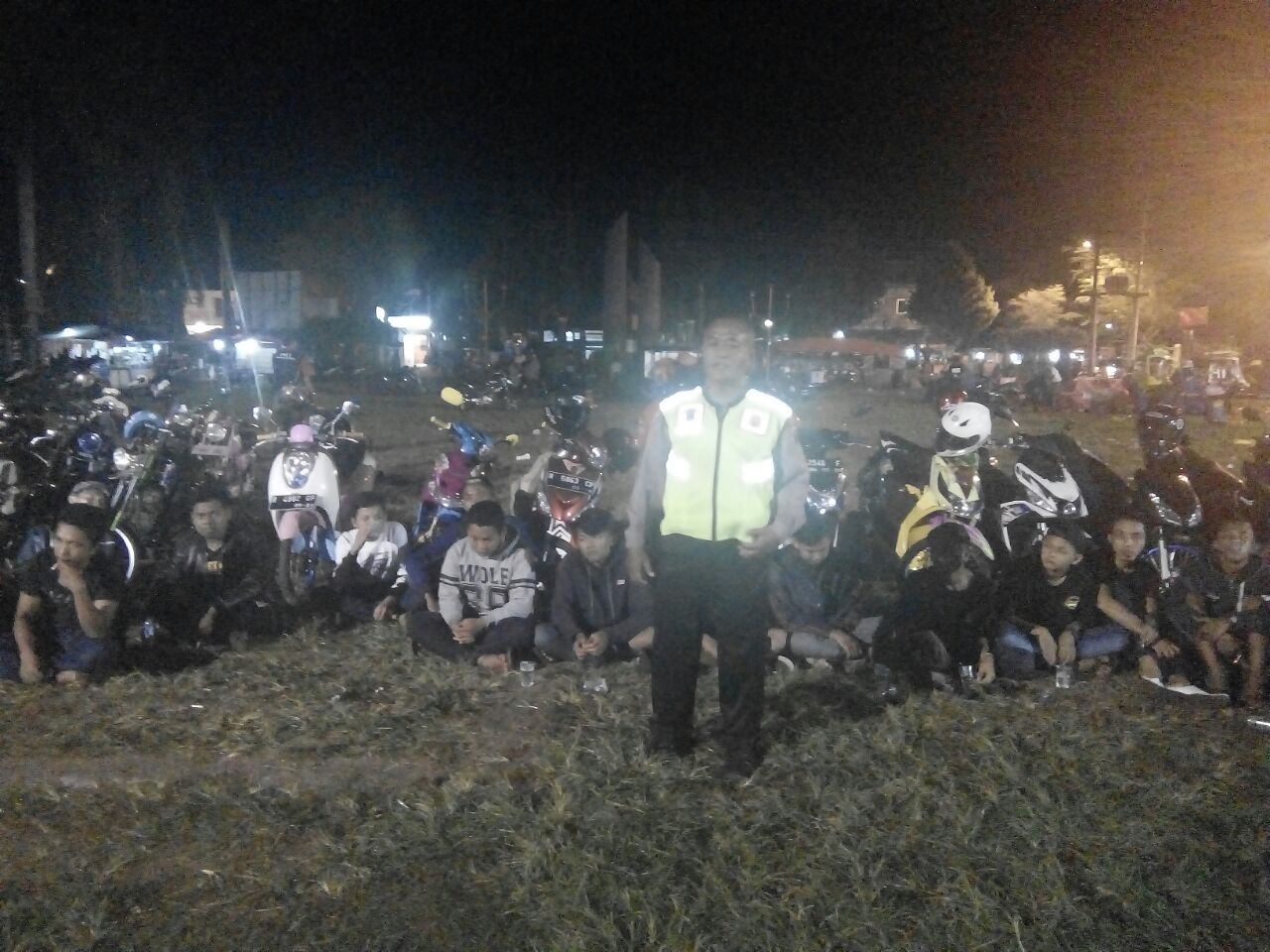 Bhabinkamtibmas Polsek Kroya Cilacap Rangkul Anggota Club Motor Jaga Kamtibmas