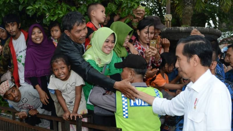 Jokowi Bagi Makanan Sehat Anak Ibu Hamil Cilacap Alun Kroya