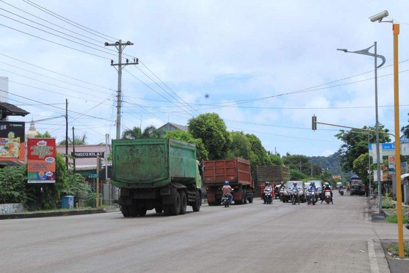 Tingkatkan Ketertiban Berlalu Lintas Dishub Kabupaten Cilacap Pasang Angkutan Alun