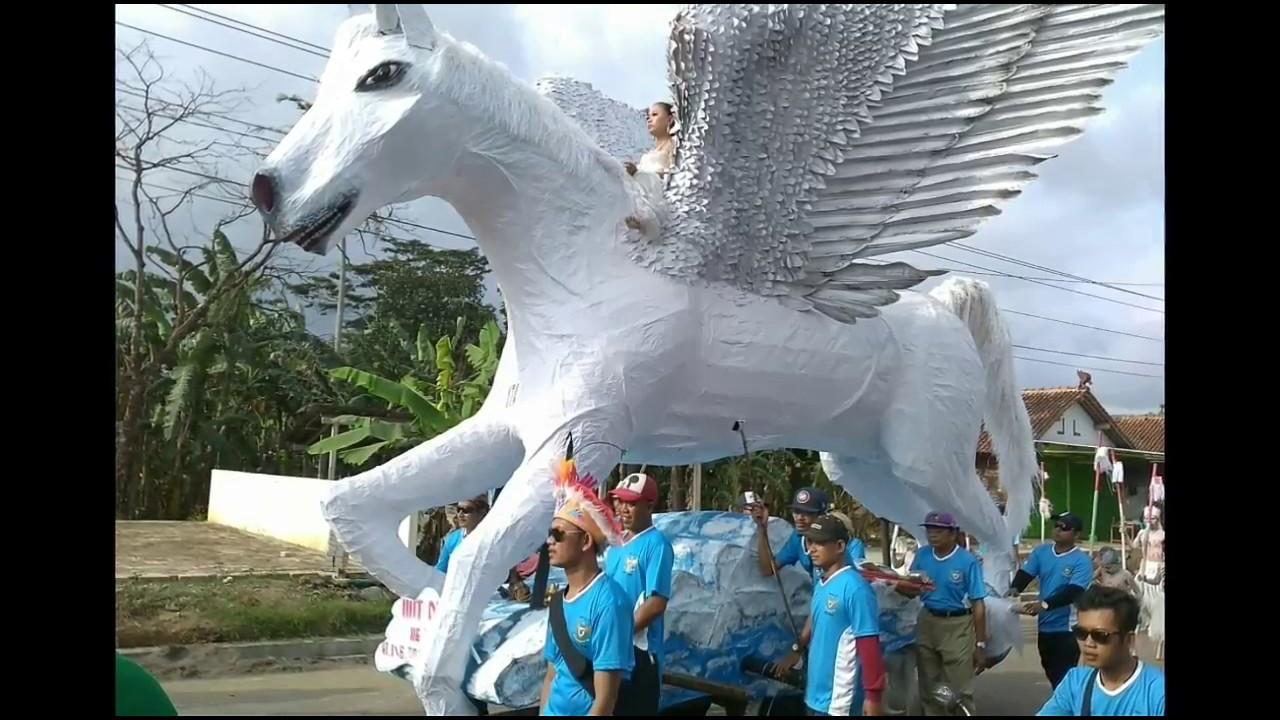 Wow Meriahnya Karnaval Hutri 72 Kroya Cilacap Youtube Alun Kab