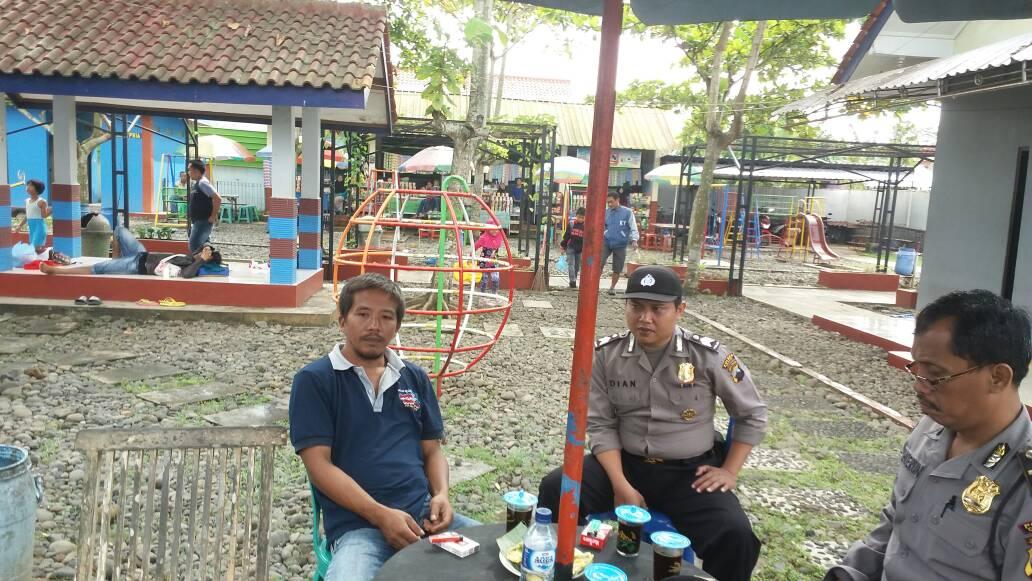 Demi Keamanan Pengunjung Kapolsek Sampang Cilacap Koordinasi Pengelola Kolam Renang