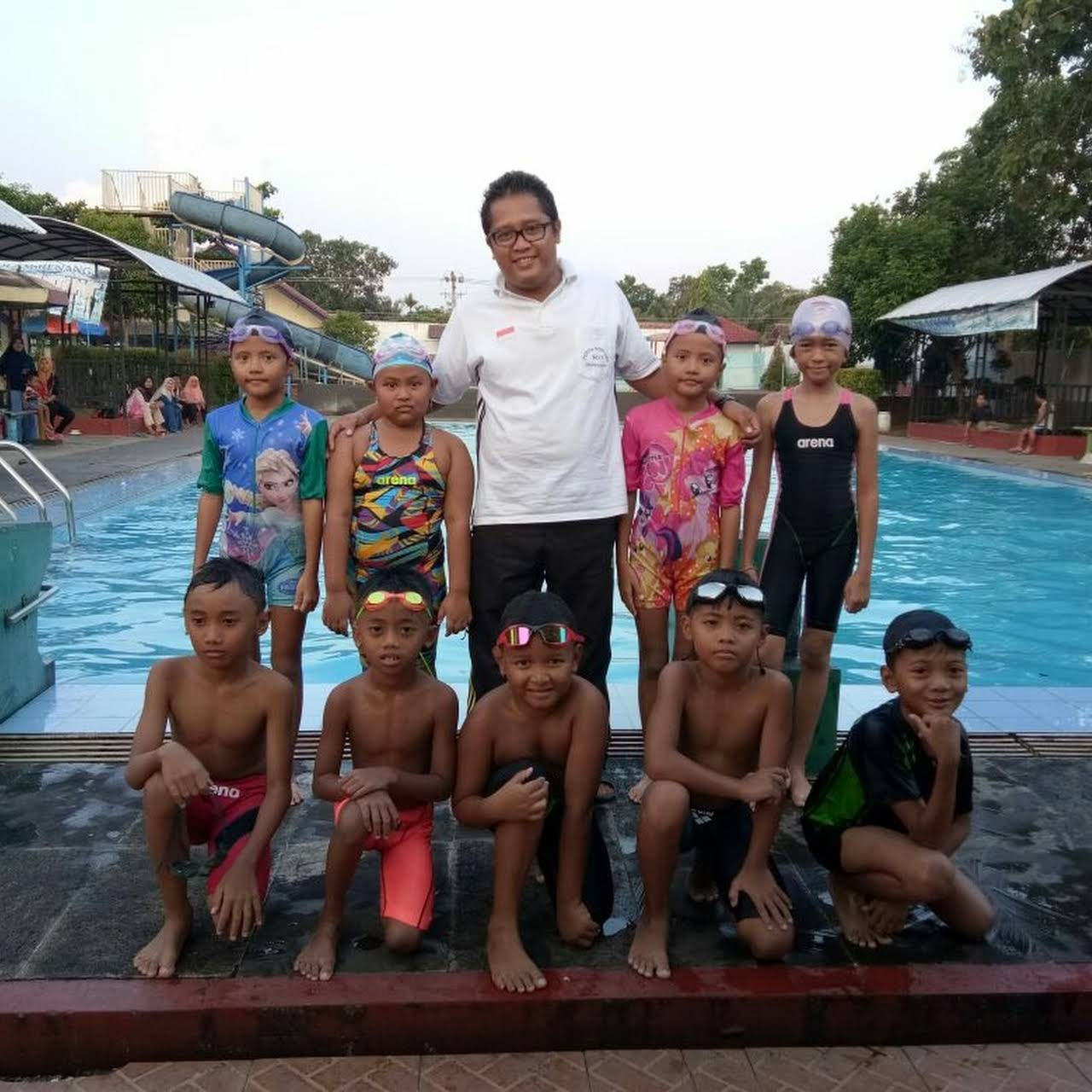Kolam Renang Banyu Pratama Taman Rekreasi Air Club Private Kab