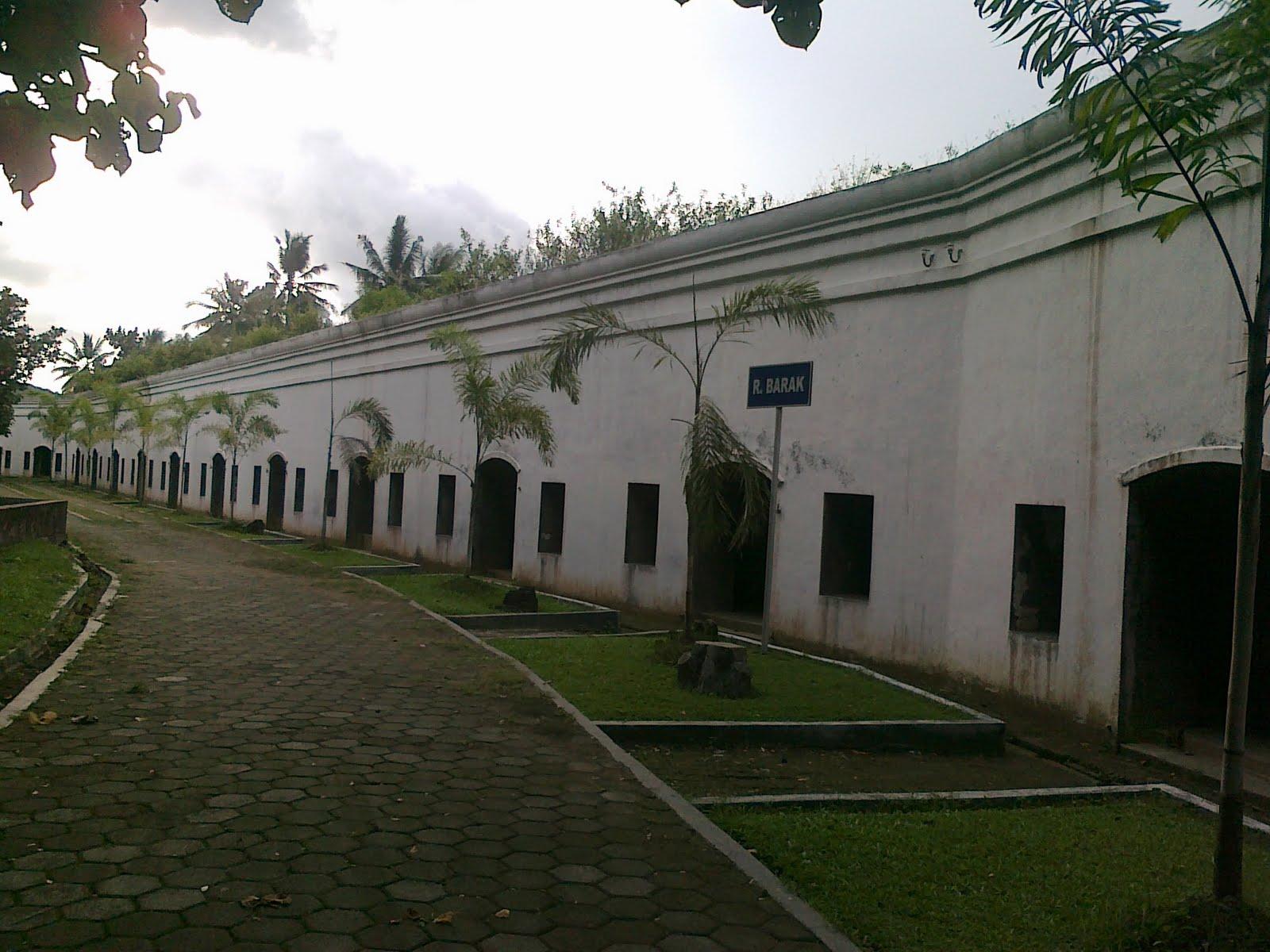 Heritage Benteng Pendem Kab Cilacap