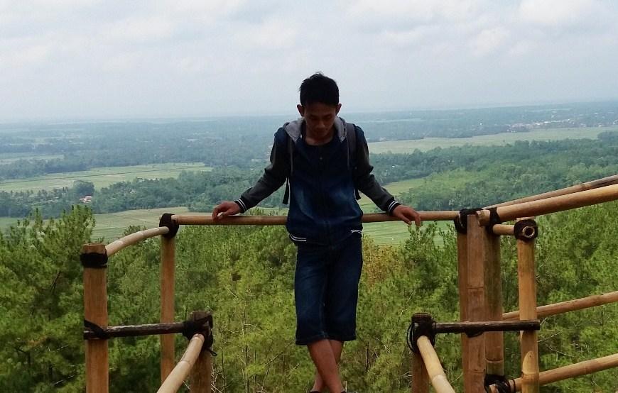 Pencinta Selfi Bukit Kemit Forest Portal Cilacap Hutan Kermit Karanggedang