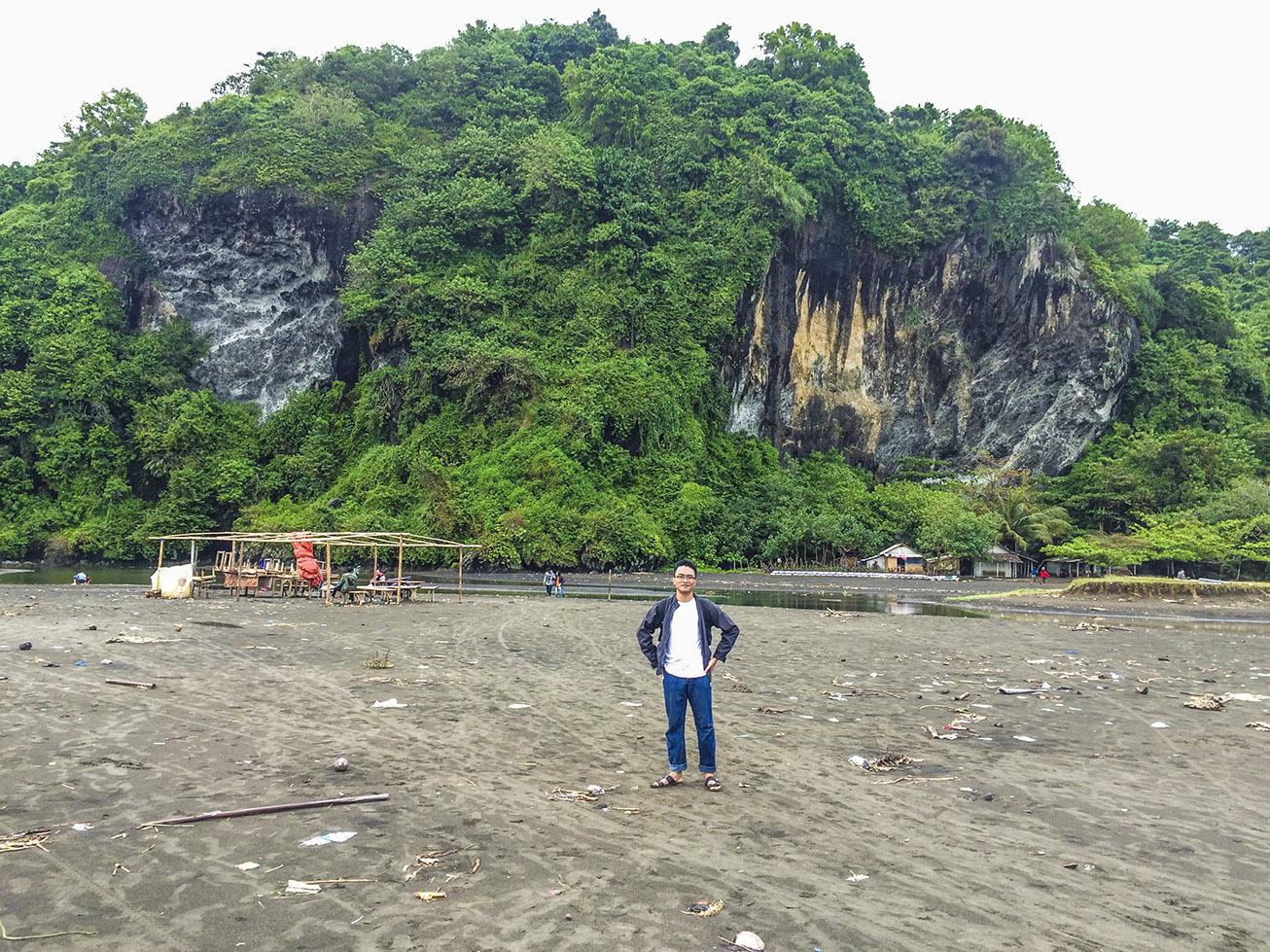 Obyek Wisata Pantai Sodong Cilacap Jawa Tengah Akses Kab