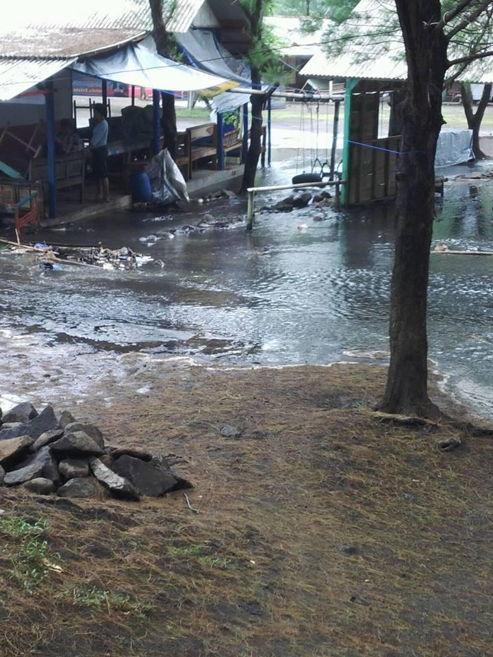 Ombak Besar Cilacap Juni 08 Pantai Sodong 03 Kluban Published