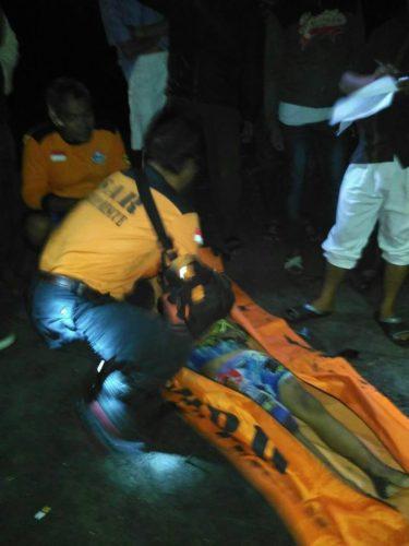 Babinsa Bersama Tim Sar Menyisir Pantai Widarapayung Cari Korban Kecamatan