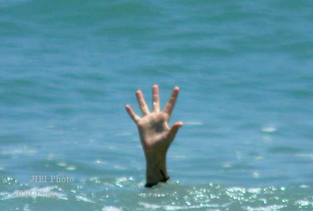 Kecelakaan Air Tergulung Ombak Pencari Kerang Tenggelam Pantai Widarapayung Kab