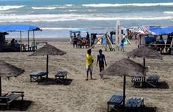 Pesona Keindahan Wisata Pantai Widarapayung Binangun Cilacap Jawa Tengah Sarankan