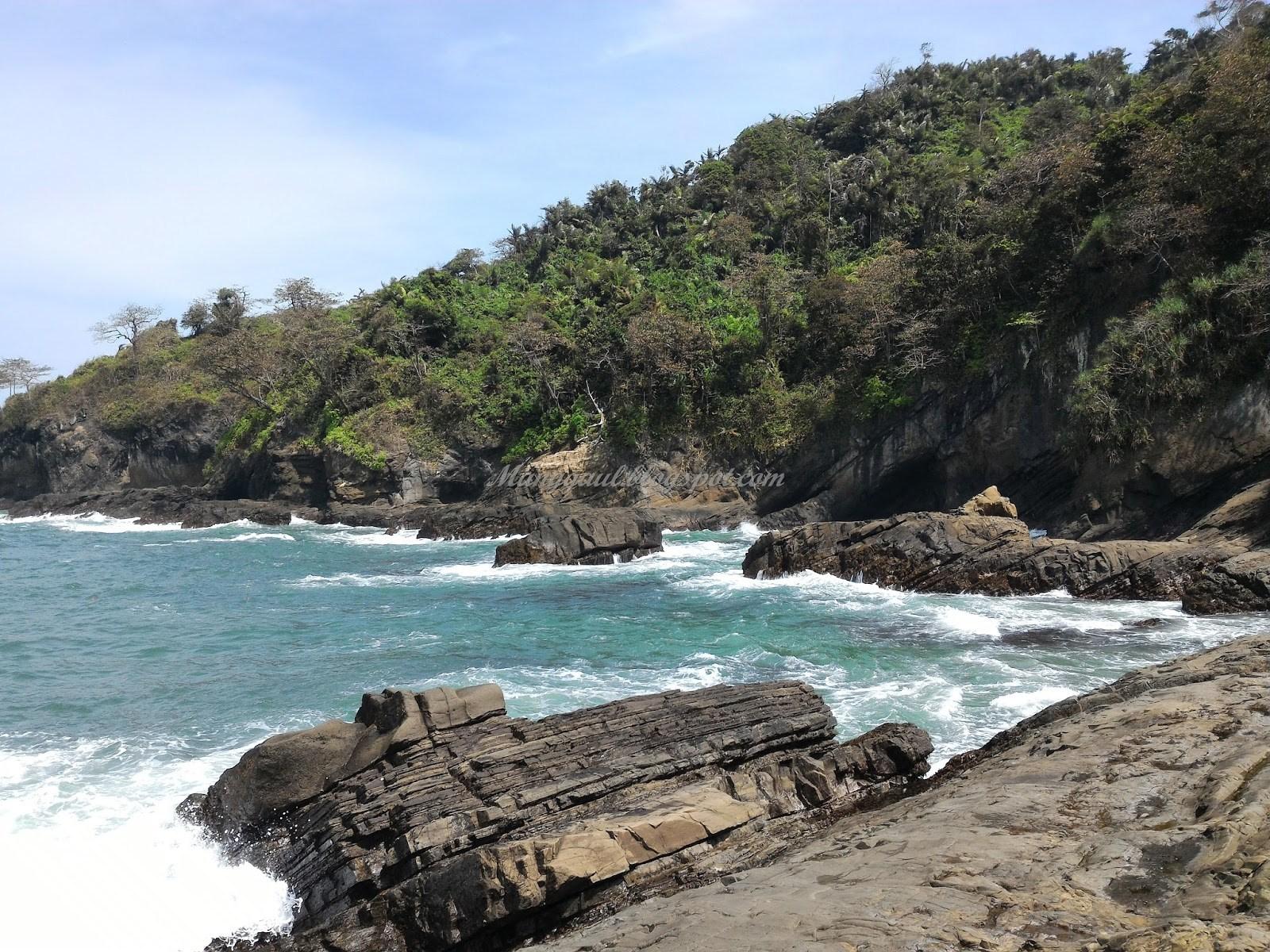 Sewa Bus Parawisata Destinasi Kabupaten Cilacap Besar Full Pantai Widarapayung